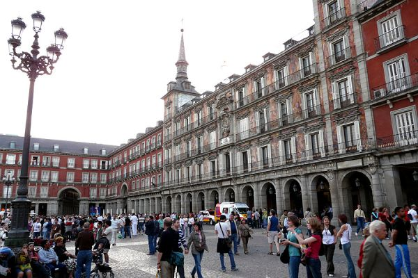 Stroll Plaza Mayor